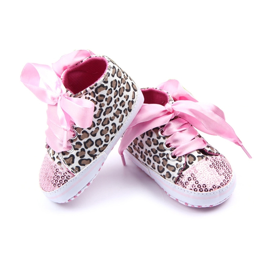 Adorable baby girl pink leopard crib