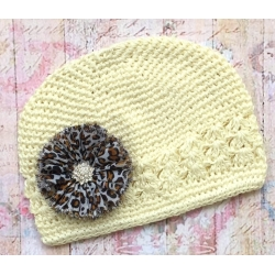 Crochet hat Cream with Leopard