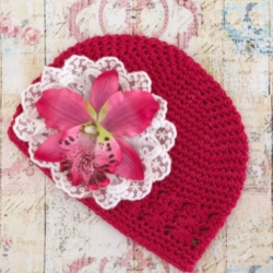 Baby girl fuchsia beanie hat with orchidea