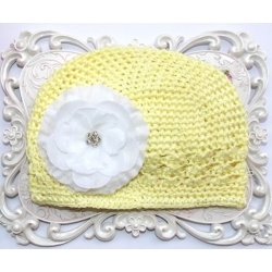 Crochet hat yellow with white flower